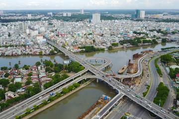 2 nhánh cầu vượt Nguyễn Văn Cừ nối với đường Võ Văn Kiệt thông xe