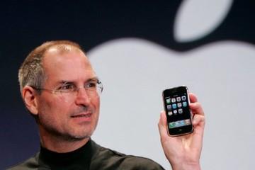 270 USD để sở hữu một chiếc áo cổ lọ huyền thoại như của Steve Jobs