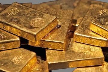 Giá vàng giảm mạnh, xuống mức thấp kỷ lục 5 tháng