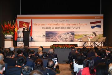 """Thủ tướng: """"Việt Nam đủ màu mỡ để ươm mầm nên những DN hàng đầu châu Á"""""""