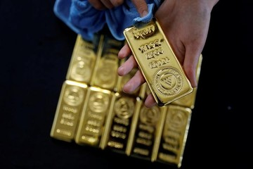 Giá vàng vọt tăng trong phiên giao dịch cuối tuần
