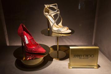 Ông chủ chán nghề thời trang, hãng giày xa xỉ Jimmy Choo bị bán lại với giá 230 xu 1 cổ phiếu cho Michael Kors