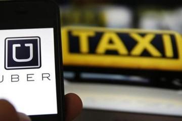 """Taxi truyền thống lo Grab, Uber """"khuyến mại suốt năm"""""""