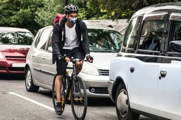 Xe chạy xăng, dầu sẽ được cấm tại Anh từ năm 2040