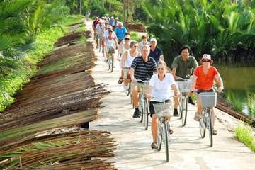 Hơn 1 triệu khách quốc tế đến Việt Nam trong tháng 7