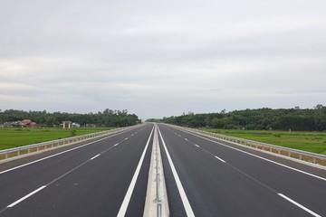 Thông xe 65km dự án xây dựng đường cao tốc Đà Nẵng - Quảng Ngãi