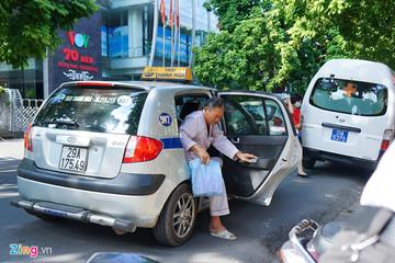 Từ năm 2025, taxi tại Hà Nội phải sử dụng chung một màu sơn