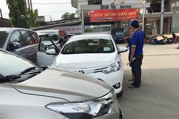 Giá xe ô tô giảm mạnh, khách mua vẫn 'đủng đinh'
