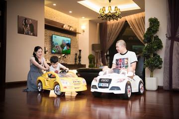 Nikkei: Cha mẹ Việt ngày càng