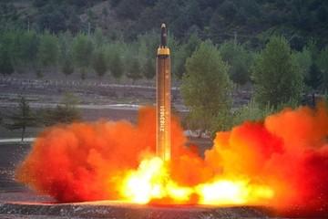Triều Tiên phóng tên lửa bay qua Nhật Bản