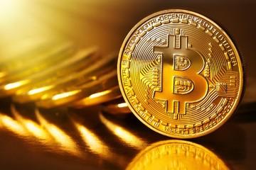 Đồng Bitcoin lập kỷ lục mới gần đạt 5.000 USD
