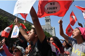 Người Mỹ biểu tình phản đối việc tổng thống Trump chấm dứt chương trình DACA