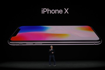 Apple chính thức trình làng 3 iPhone mới, iPhone X giá từ 999 USD