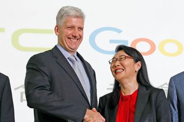 Google chi 1,1 tỷ USD mua lại 1 phần HTC