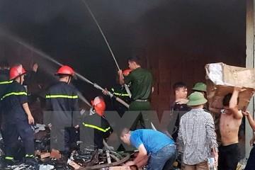 Cháy kho ngoại quan ở thành phố Móng Cái gây nhiều thiệt hại