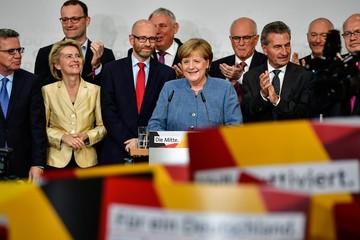 Angela Merkel làm nên lịch sử khi đắc cử thủ tướng Đức lần 4