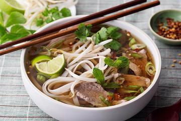 [Infographic] Việt Nam có 2 món ăn nằm trong top 10 món ăn ngon nhất thế giới