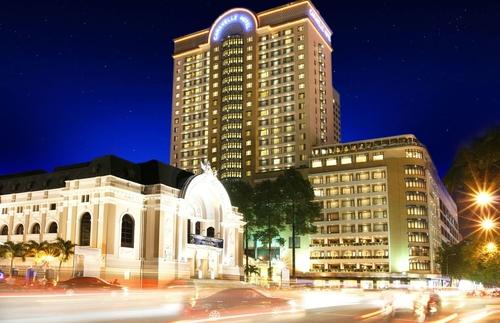 Caravelle và Sheraton Saigon đồng loạt báo doanh thu khủng