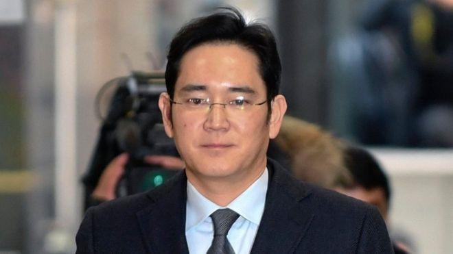 Bài học từ khủng hoảng kế vị của Samsung