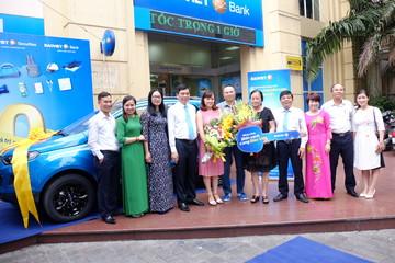 """Thêm khách hàng Bảo Việt trúng ô tô trong chương trình """"Nắng vàng biển xanh cùng Bảo Việt"""""""