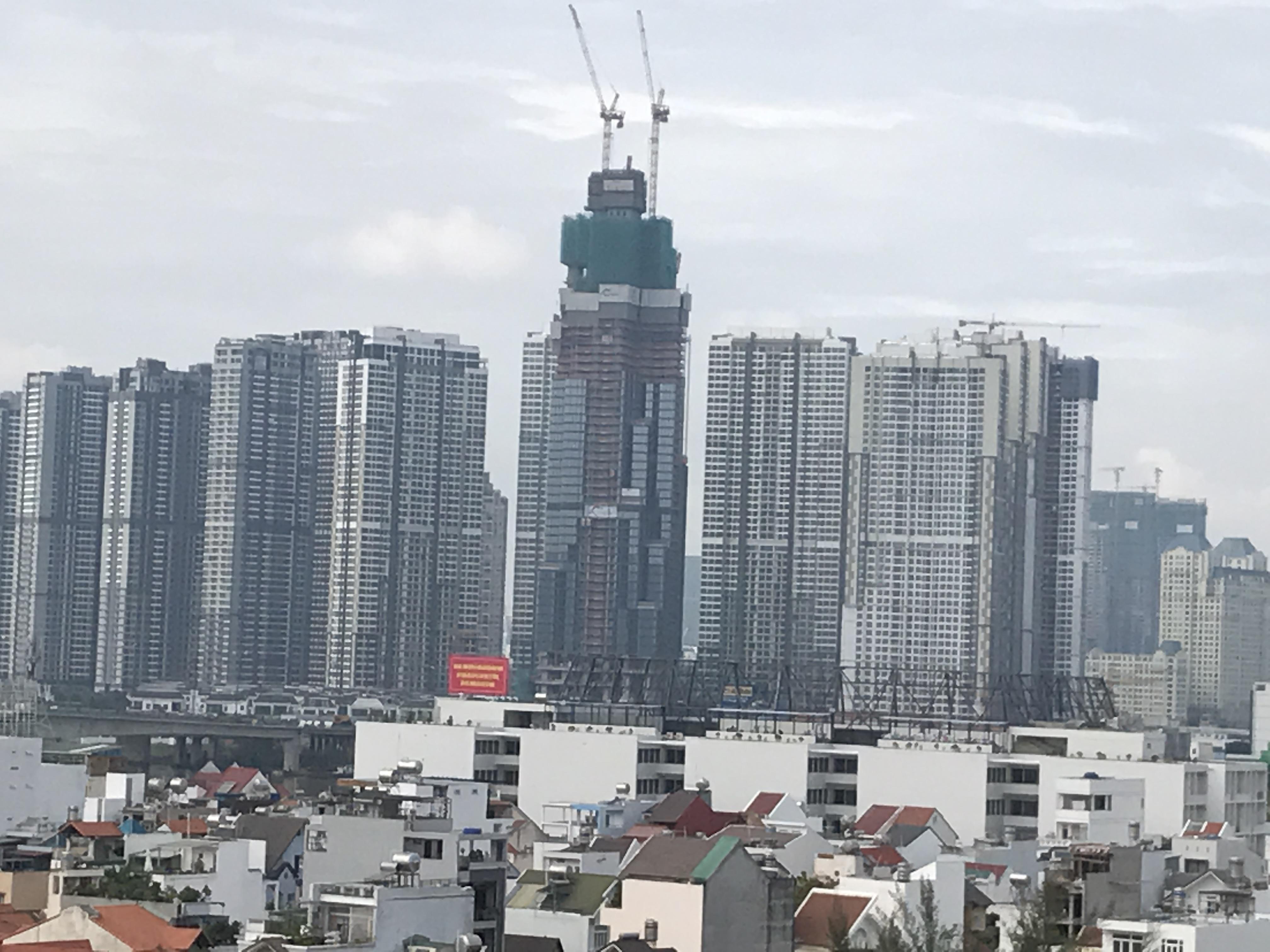 Nguồn cung căn hộ, biệt thự tại TP HCM tiếp tục giảm