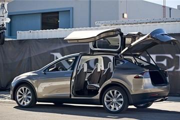 Tesla triệu hồi 11.000 xe Model X SUV để kiểm tra lỗi băng ghế