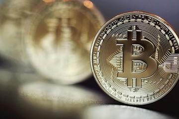 Bitcoin vượt mức 5.800 USD trước tin đồn Trung Quốc thu hồi lệnh cấm giao dịch tiền điện tử