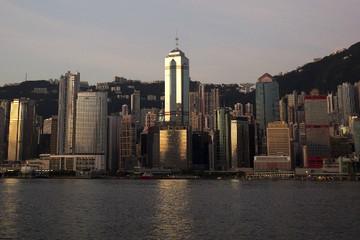 Tháp chọc trời Hong Kong sang tay giá kỷ lục