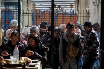 Kinh tế phục hồi, Hy Lạp phát một tỉ euro cho dân nghèo