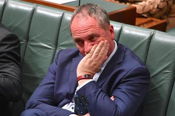 Phó thủ tướng Australia bị đẩy khỏi Quốc hội vì mang hai quốc tịch