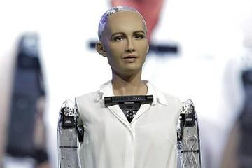 A-rập Saudi là nước đầu tiên nhận robot làm công dân