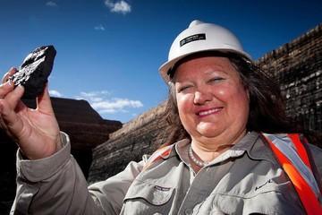 Giá quặng sắt tăng gấp rưỡi, tài sản của nữ tỷ phú giàu nhất Australia tăng gần gấp đôi sau 1 năm