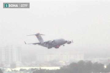 Siêu vận tải cơ Boeing C-17 Globemaster III chở đoàn tiền trạm Mỹ tham dự APEC đã hạ cánh xuống sân bay Đà Nẵng