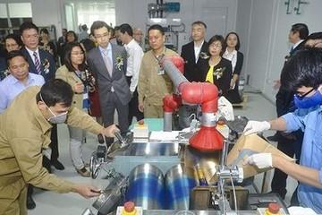 Lần đầu tiên Việt Nam tự sản xuất mực in tiền