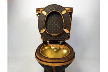 Bồn cầu bọc túi Louis Vuitton hơn 2 tỷ đồng