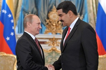 Nga tung 'phao cứu sinh' cho Venezuela