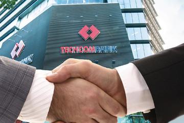 Phát hành mới cổ phiếu giá 30.000 đồng, Techcombank bán thành công 75%