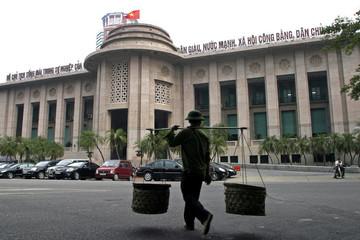 Ngành ngân hàng Việt Nam: Vốn ít, tín dụng nhiều