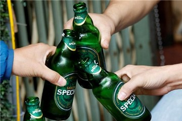 Từ Sabeco, thấy gì từ việc những gã khổng lồ toàn cầu 'dòm ngó' thị trường bia Việt