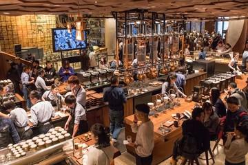 [Ảnh] Bên trong quán Starbucks lớn nhất thế giới