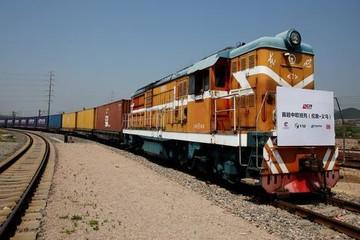 Nhật Bản hỗ trợ dự án 'Vành đai, con đường' của Trung Quốc