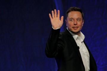 Elon Musk 'thách' CEO Boeing đưa người lên sao Hỏa trước