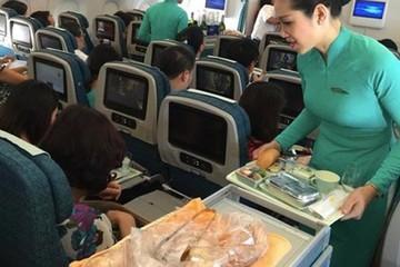 Giá suất ăn trên máy bay sẽ tăng đến 100.000 đồng