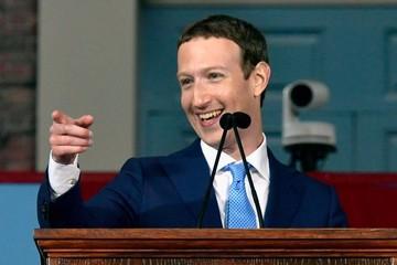 Một ngày bình thường của người đàn ông quyền lực nhất Facebook