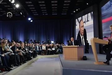 Ông Putin gặp hơn 1.500 nhà báo toàn cầu