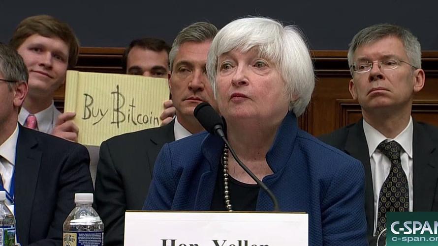 2 bức ảnh tài chính 'phải xem' năm 2017
