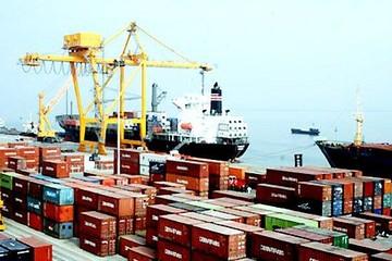 Lần đầu tiên kim ngạch xuất nhập khẩu vượt 400 tỷ, xuất siêu 2,7 tỷ USD cả năm