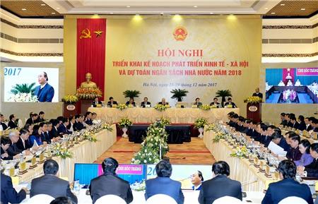 Lần đầu tiên, bốn lãnh đạo cao nhất của đất nước cùng dự phiên họp Chính phủ cuối năm