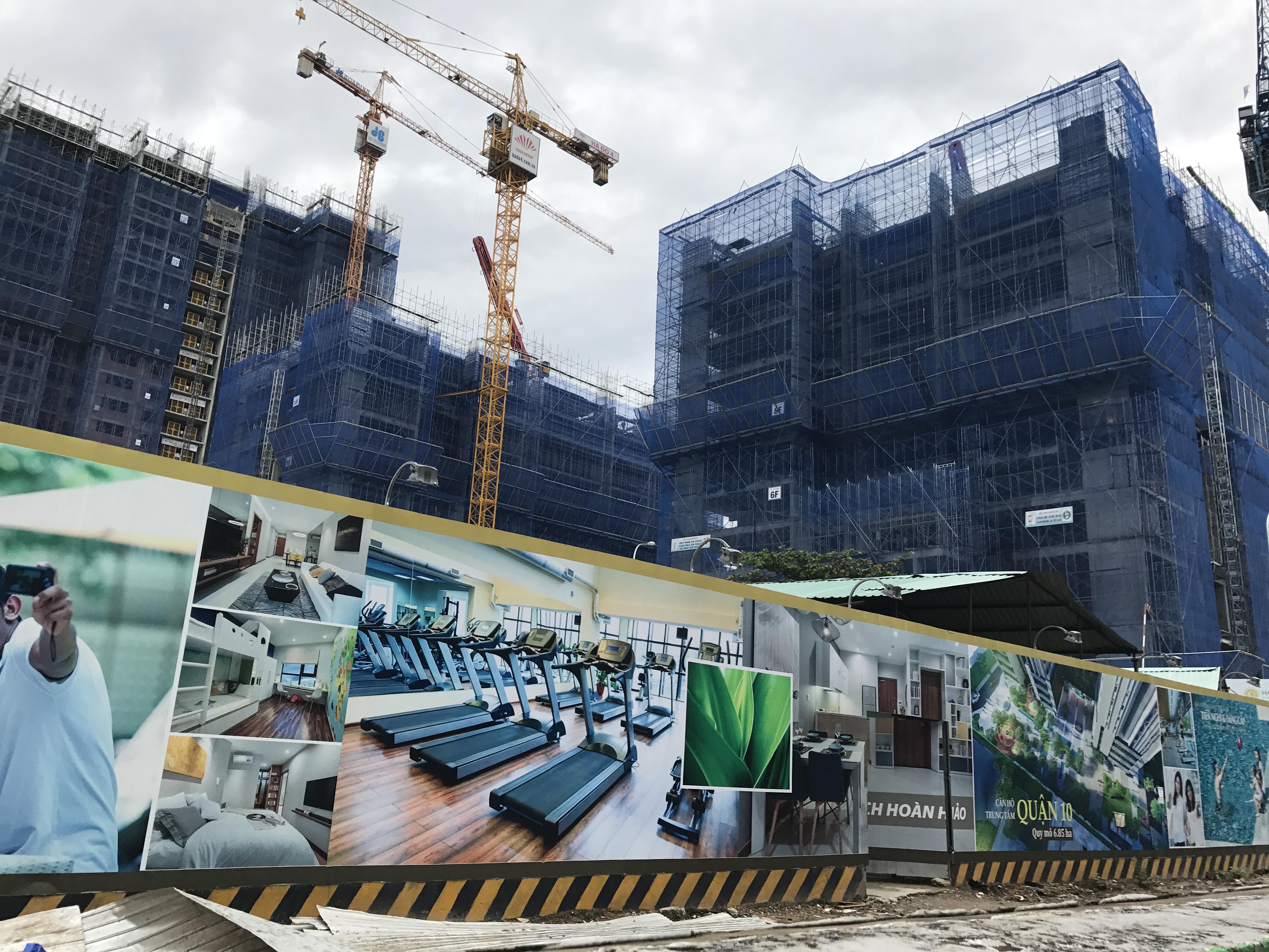 """Sở Xây dựng chấp thuận cho QCG và HDG bán hàng ngàn căn hộ """"trên giấy"""""""