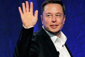 Elon Musk 'đốn tim' khách hàng chỉ với một câu hỏi